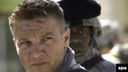 "Actor Jeremy Renner plays a bomb disposal expert in the Iraq conflict in ""The Hurt Locker."""