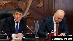 Сооронбай Жээнбеков, Жеңиш Раззаков