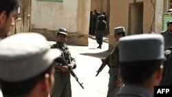فرمانده پليس مرزی هرات گفته است: پس از بازجويی، محمد قزوينی اعتراف کرده که قصد ورود به ارتش افغانستان را داشته است.(عکس: AFP)