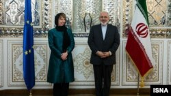 EU foreign policy chief Catherine Ashton and Iranian Foreign Minister Mohammad Javad Zarif at a news conference in Tehran on March 9