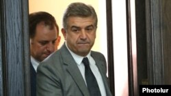 Armenia - Prime Minister Karen Karapetian is about to hold his first cabinet meeting in Yerevan, 15Sep2016.