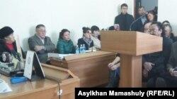 Судебное заседание по иску против газеты «Жас Алаш». Алматы, 10 ноября 2015 года.