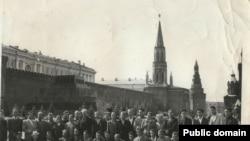 Активісти кримськотатарського національного руху в Москві. 1965 рік