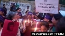 Малала Юсафзайды қолдаушылар. Карачи, Пәкістан, 12 қазан 2012 ж.