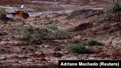 Поисковая операция на месте прорыва дамбы в Бразилии