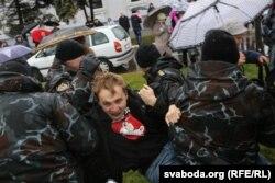 Зьмітра Дашкевіча затрымліваюць на ссанкцыянаванай акыі 7 лістапада