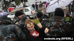 Зьміцер Дашкевіч падчас затрыманьня