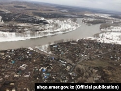 Населенные пункты у реки в Восточно-Казахстанской области.