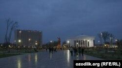 Uzbekistan - evening view of Amir Temur square in Tashkent, 07Aug2011