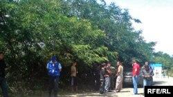 Вчера вечером между югоосетинским селом Окона Знаурского района и грузинским селом Кнолеви Карельского района неизвестные открыли огонь из стрелкового оружия