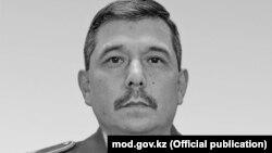 Қозоғистон мудофаа вазирининг ўринбосари, генерал-майор Бақит Қурманбаев.