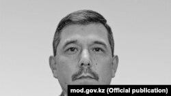 Казакстандын коргоо министринин орун басары Бакыт Курманбаев.