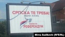 """Referendum saýlawçylardan Srpska respublikasynda """"döwletlilik gününi"""" bellemek isläp-islemeýändiklerini soraýar."""