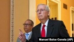 ABŞ Senatynyň köplük lideri Miç MakKonnel (Mitch McConnell)