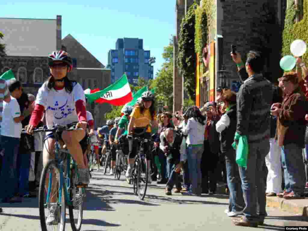 Cycling for Human Rights in Iran cyclists in Toronto. (photo: Sara Jazaeri)