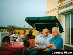 Браты Радзім і Ўсяслаў Гарэцкія. Падмаскоўе, 2003 г.