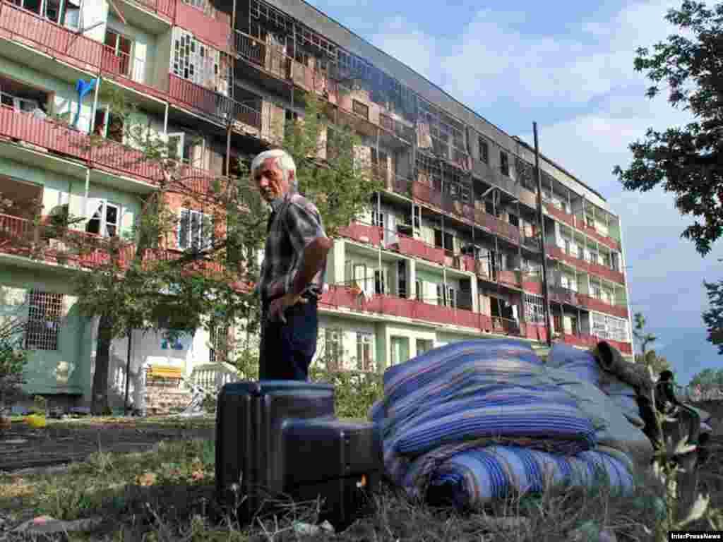 Зруйнований житловий будинок в Ґорі, 11 серпня