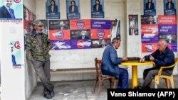 Грузинский избиратель 28 октября будет выбирать из 25 зарегистрированных кандидатов