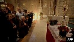 Predmet veličine palca predstavljen je vjernicima u Crkvi Bogorodice Marije u Jerusalimu