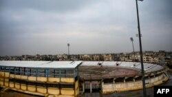 Стадион в Ракке, который ИГ использовал как тюрьму. Февраль, 2019