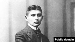 Франц Кафка — писатель не языка, а ситуаций, впервые им придуманных, изобретенных, выведенных на свет из каких-то темных, иррациональных, сновиденческих глубин