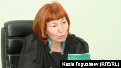 Судья Межрайонного экономического суда города Алматы Гульнар Мейирманова. Алматы, 9 августа 2010 года.