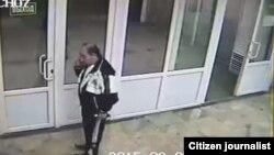 Скриншот с видеозаписи, снятой камерами наблюдения Национального кардиологического центра.