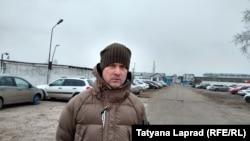 Леонид Развозжаев на выходе из колонии в Красноярске