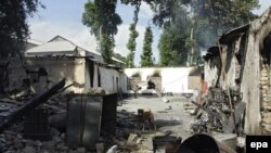 Жалал-Абад облусундагы баш-аламандыктарда 424 турак-жай өрттөлүп, талкаланганы айтылууда.