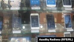 Մանաթի արժեզրկումից հետո խանութներում ապրանքի թանկացում է։ Բաքու, 28 դեկտեմբերի, 2015թ.