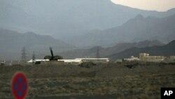 Натанц қаласындағы ядролық нысанды қорғауға қойылған зениттік кешен. Иран. 2 қыркүйек 2007 жыл.