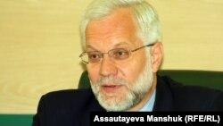 Григорий Марченко, Ұлттық банк төрағасы. Алматы, 9 сәуір 2013 жыл.