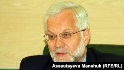Григорий Марченко Қазақстан ұлттық банкінің басшысы кезінде. Алматы, 9 сәуір 2013 жыл.