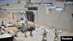 په عراق کې د داعش په وړاندې سختې جګړې روانې دي.