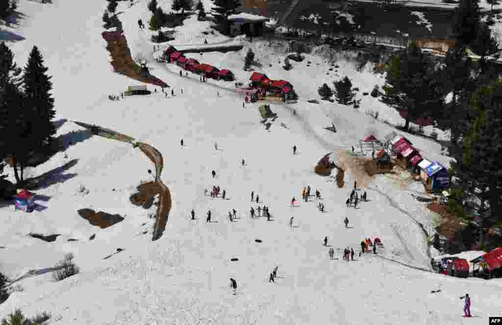 A seven-day ski competition funded by Norway just ended in the Malam Jaba area. The Norwegian ambassador to Pakistan was even in attendance. Some 8,000 skiers and ski fans turned out.