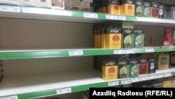 """Bakıda insanlar marketləri """"süpürür""""- [Fotolar]"""