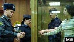 Подсудимые Никита Тихонов и Евгения Хасис