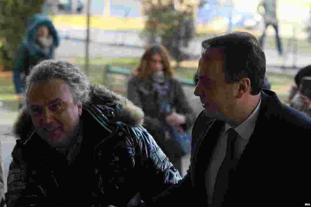 МАКЕДОНИЈА - На поранешниот директор на УБК, Сашо Мијалков, му е одреден 30-дневен притвор, потврдија за РСЕ од СЈО. Мијалков е спроведен во истражниот затвор Скопје, во Шутка.