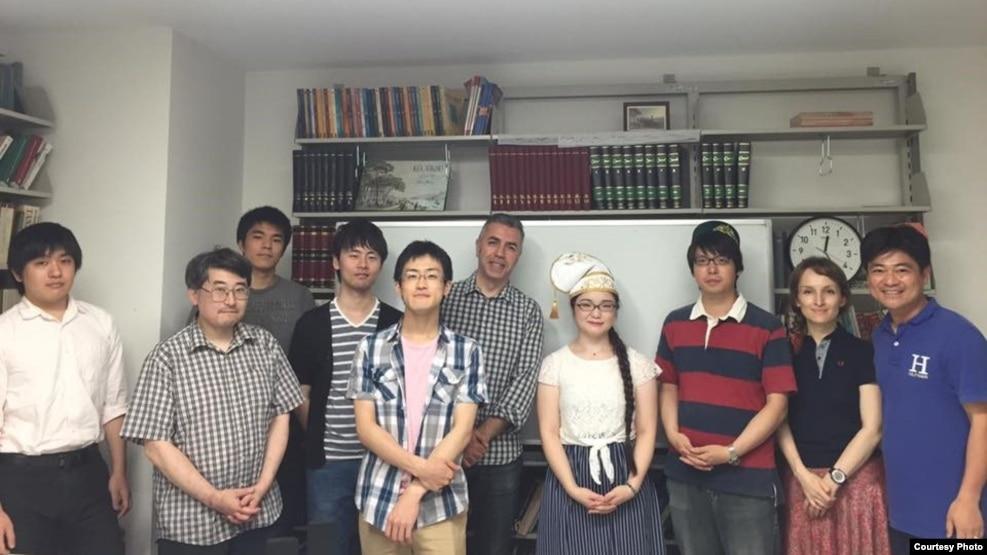 Токиода татар теле дәресләренә йөрүчеләр