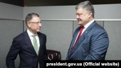 Ваша Свобода | США для України. Що привіз Волкер?