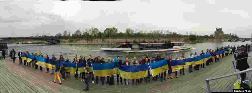 Франци. Париж, Киевехь байина нах дагалоцуш ю Евромайдан, 30Заз2014 года