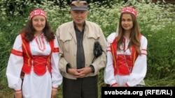Зь юнымі аматаркамі беларускай паэзіі. Бычкі, 2015 год