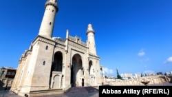 Azerbaijan-Taza Pir mosque-12Dec2012