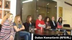 Jasna Đuričić, Anita Mančić, Mira Furlan, Miki Manojlović, Jovana Gavrilović, Darko Nedeljković i Jelisaveta Tatić na konferenciji za novinare povodom premijere, 23. april 2013.