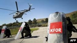 Paqeruajtësit e KFOR-it gjatë stërvitjeve...