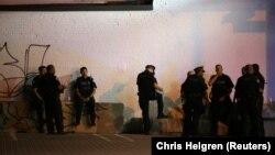 Полиция на месте стрельбы в Торонто