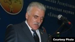 Как отметил лидер партии Зураб Кокоев, «Единство» баллотируется в парламент только по партийному списку