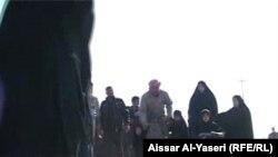 عاصفة من عباءات سود على الطرقات الى كربلاء