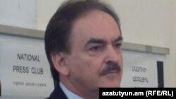 Чрезвычайный и Полномочный посол Польши в Армении Здислав Рачиньский.