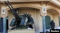 Солдаты правительственных войск в Мисрате